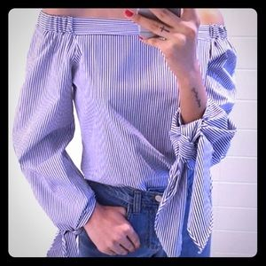 Tops - Off shoulders blouse